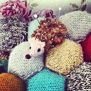 Hedgehog_pin_cushion2_small2